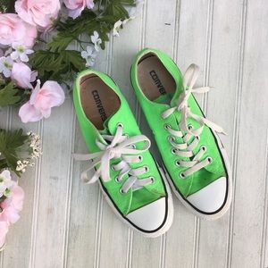 Converse Low Top Sneakers Lime Green 🌵